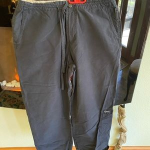 Great pants. 4 pockets/ 2 with Velcro